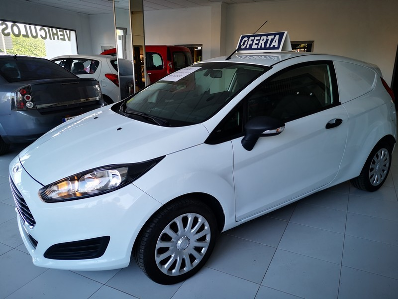 FORD Fiesta 1.5 TDCi  75cv  Trend  Comercial  48